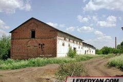 Трубетчино. Амбар для зерна. Фото автора. 2002 г.