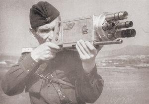 Изобретатель киноаппаратуры Н. Д. Константинов. Фотография середины 1940-х годов.