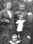 Лена, Сережа, Лелька, Александр Александрович, Зина (внизу). 1920-е гг.