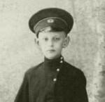 Григорий Александрович Гроздов в форме гимназиста. 1910-е гг.