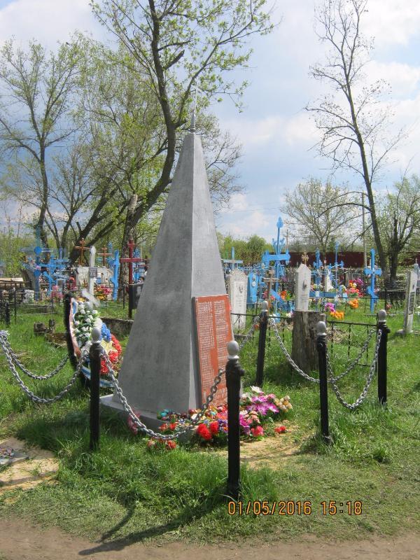 obelisk-v-sele-novoe-rakitino