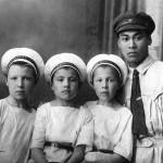 Анна Андреевна воспитала трех сыновей