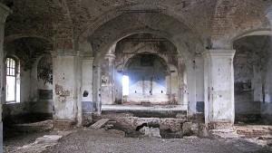 Боголюбская церковь села Большие Избищи. Вид изнутри. Фото автора 2008 г.