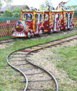"""аттракцион """"Железная дорога"""" в лебедянском парке"""