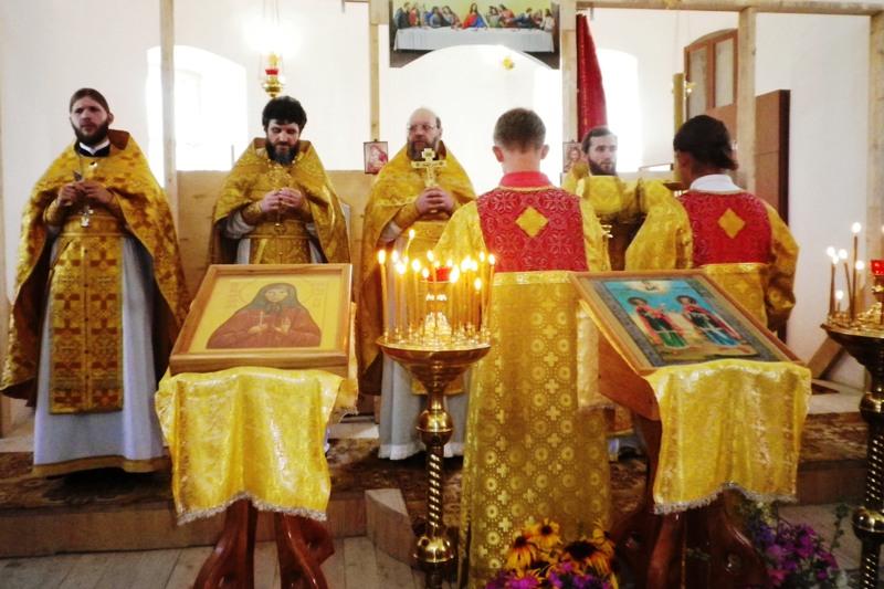 праздничная служба в селе Теплое