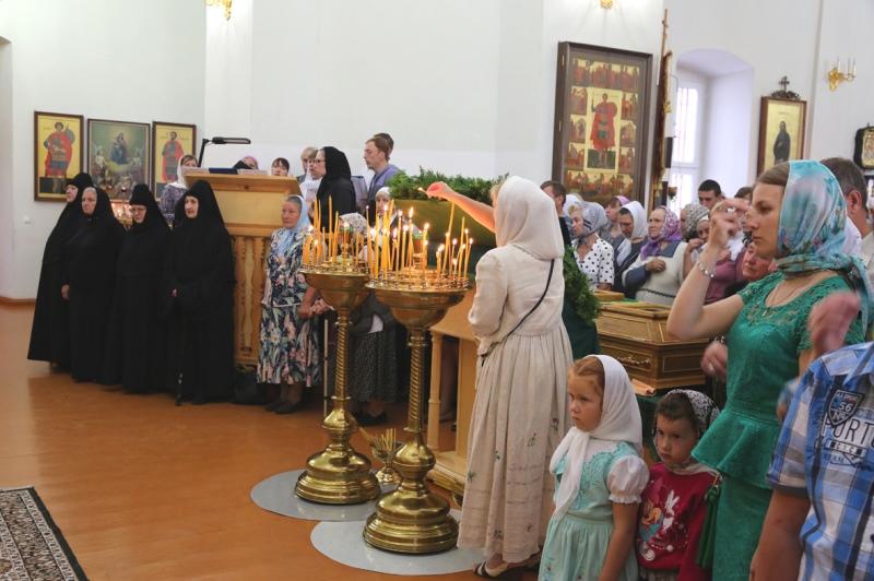 праздничная служба в Троекурово