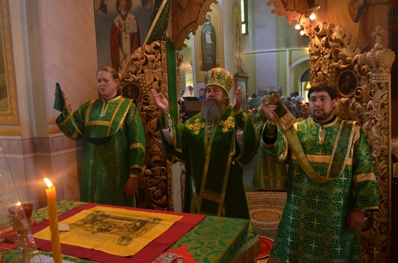 епископская служба в Лебедянском Троицком монастыре 21 августа 2016 года