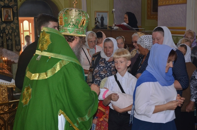 епископская служба в Троицком монастыре 21 августа 2016 года