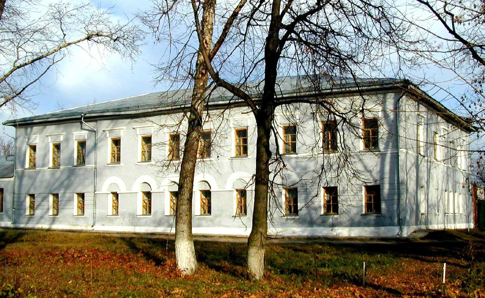Здание присутственных мест (городской магистрат) (г. Лебедянь, пл. Ленина)