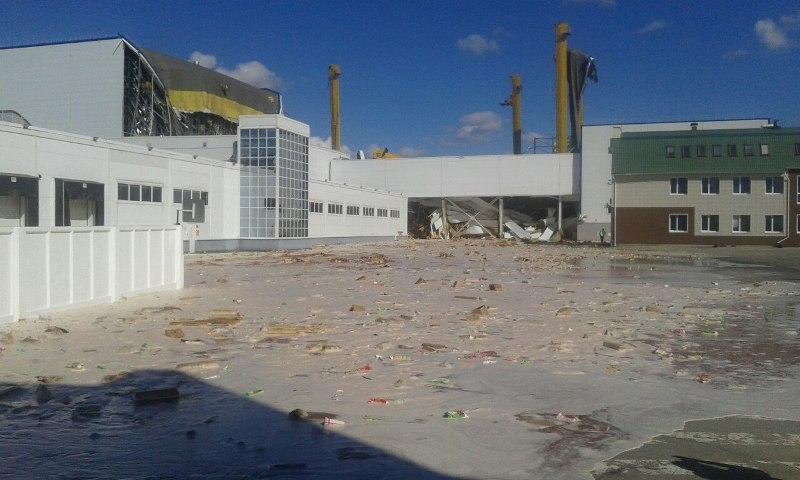 Сегодня в Лебедяни рухнул многоэтажный склад готовой ...: http://www.lebedyan.com/novosti/proisshestviya/ruhnul-sklad/