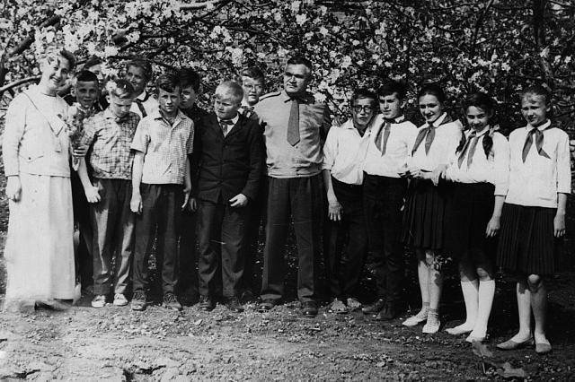 ivan_ivanov_zhemchuzhnikov_v_lebedyani_1967