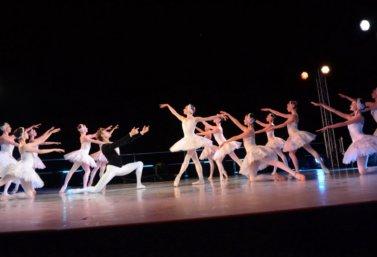 balet_lebedinoe_ozero_v_sezenovo