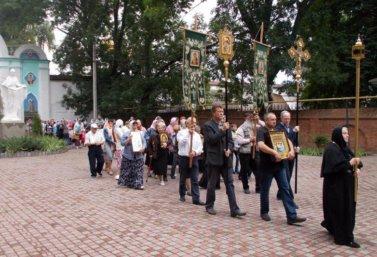 krestnyi_hod_v_troitskom_monastyre_Lebedyani