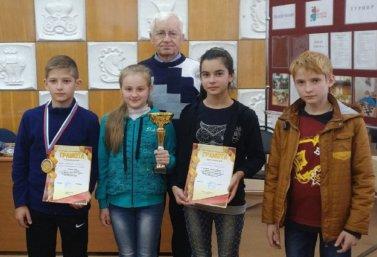 Vladimir_Karpov_s_vospitannikami
