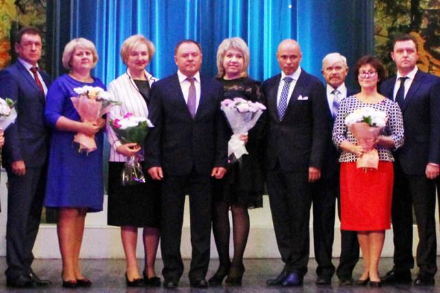 В День учителя в Липецке наградили лучших педагогов