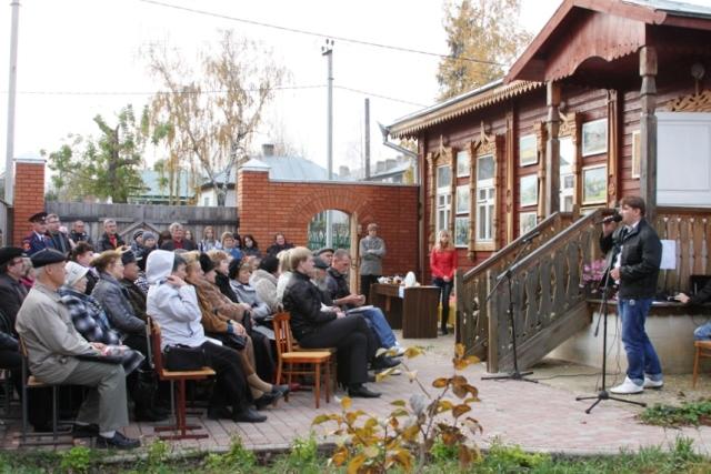 """Литературный фестиваль """"Встречи на Покровской"""" (2012)"""
