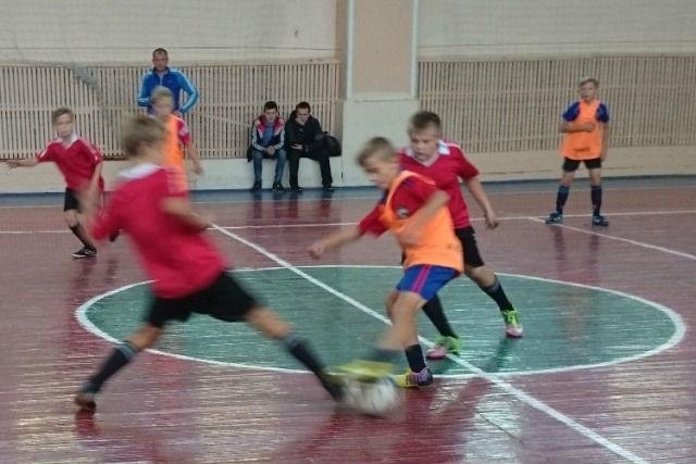 Районные соревнования по мини-футболу среди школьников