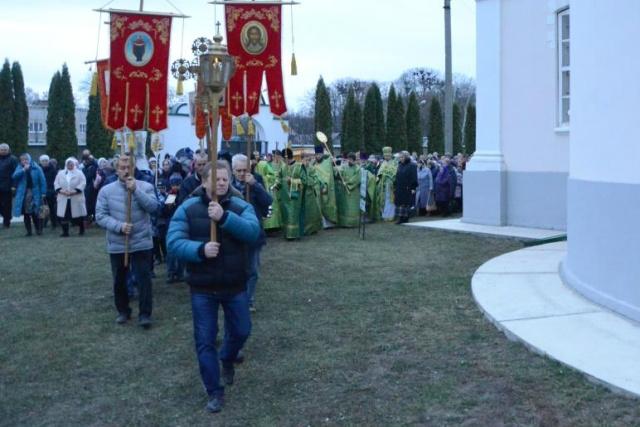 Праздничная служба в Троекуровском монастыре 18 ноября 2018 года
