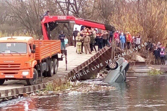 автомобиль упал в реку в Лебедянском районе
