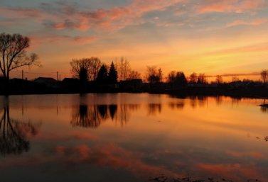 Весна в Лебедяни. Кузнецкий пруд на закате. Фото Лидии Крапивиной