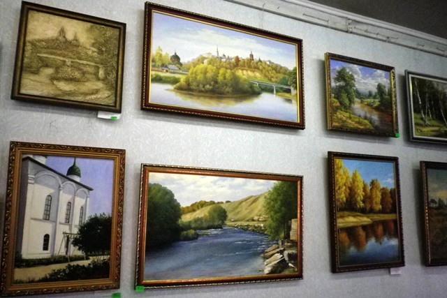 Выставка картин в Лебедянском Доме ремесел