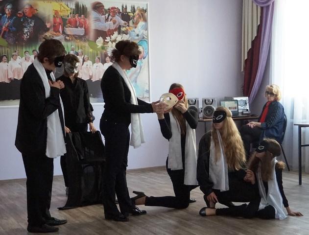 "Новый спектакль театра ""Улыбка"" ""Канатоходец"""