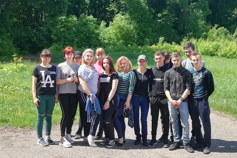 субботник студентов ЛТЭТ в старом парке Троекурово 23 мая