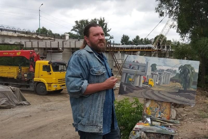 Участники пленэра «Лебедянские просторы» пишут строительство моста в Лебедяни