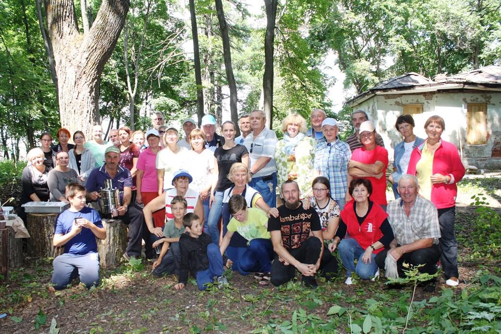 субботник в старом парке в Троекурово 20 июля