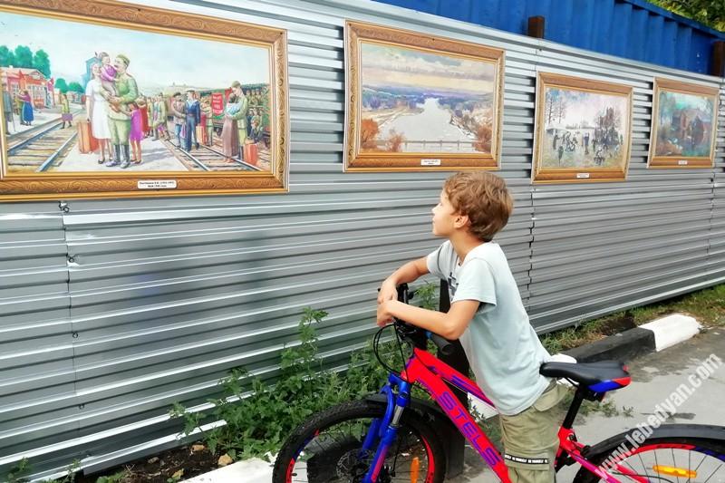 Репродукции картин украсили улицы Лебедяни