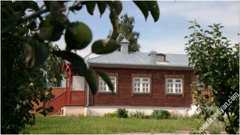 Дом писателя Е.И. Замятина (вид из сада)