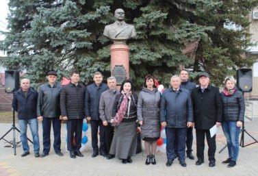 на открытии памятника Черменскому в Лебедяни