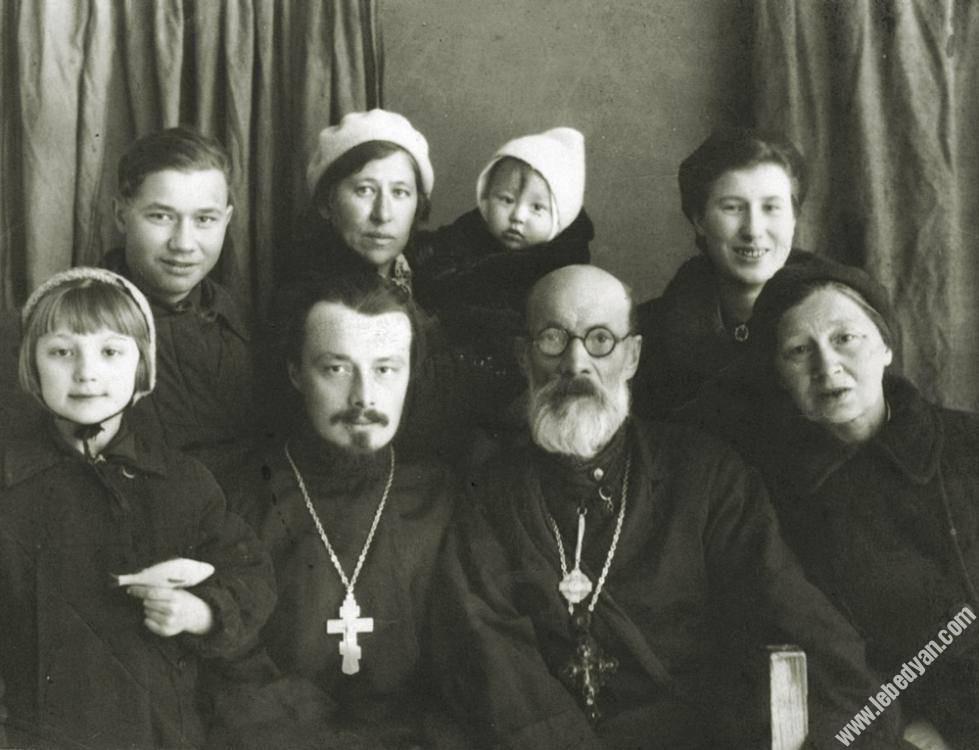 Новомученик исп. Сергий Правдолюбов с семьей