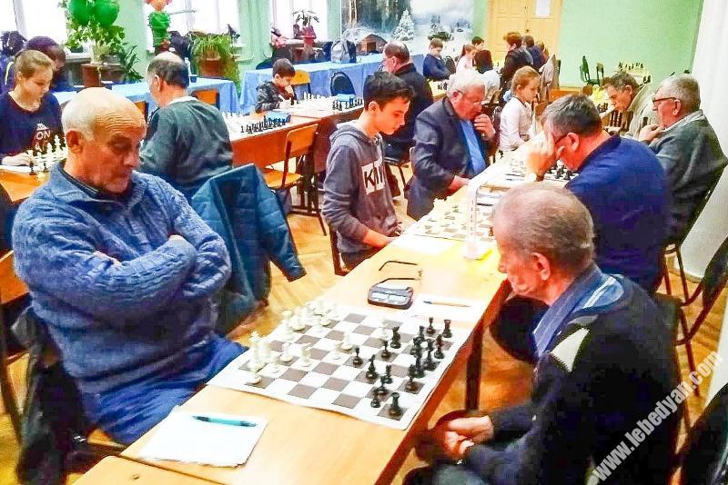 Чемпионат области по шахматам среди сельских поселений в Лебедяни