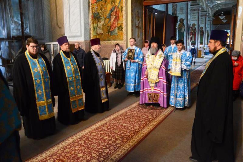 Епископское Богослужение в Казанском соборе Лебедяни 6 апреля