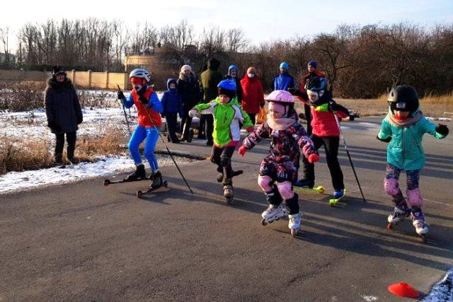 В Лебедяни прошли гонки на лыжероллерах и роликовых коньках.