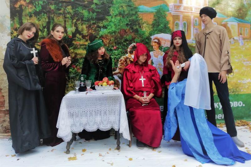 """Театр """"Улыбка"""" (выступление в парке села Троекурово)"""