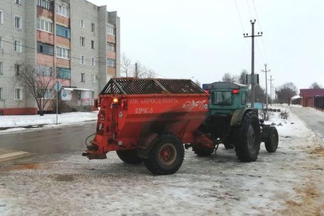 Обработка улиц в Лебедяни песко-соляной смесью