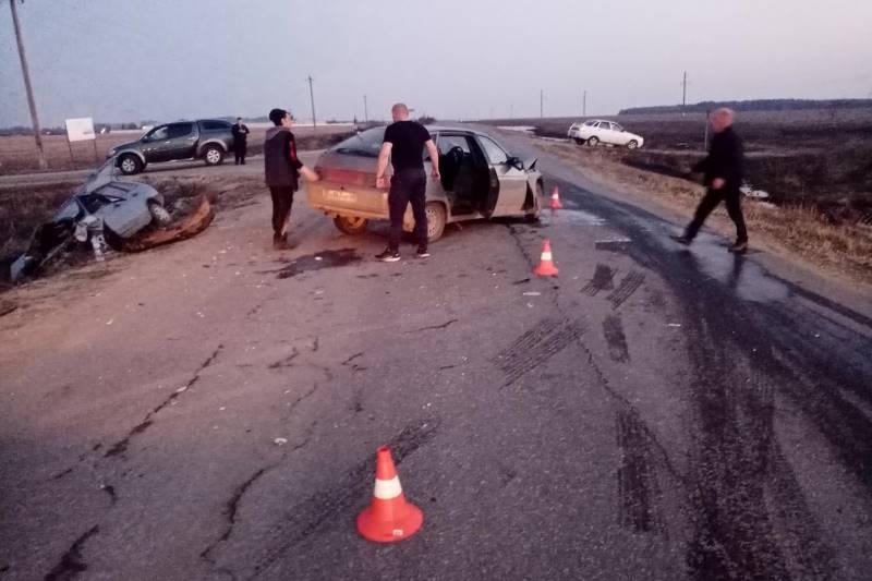 автомобильная авария у села Волотово 16 апреля