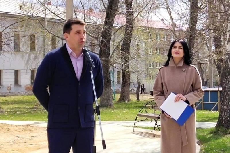 Роман Панфилов поздравил работников Скорой помощи с их праздником
