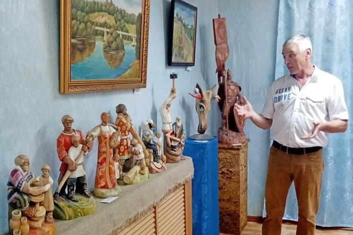 Александр Коновалов открыл персональную выставку