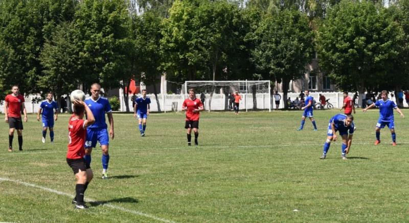 Футбольный матч в поселке Лев Толстой 10 июля