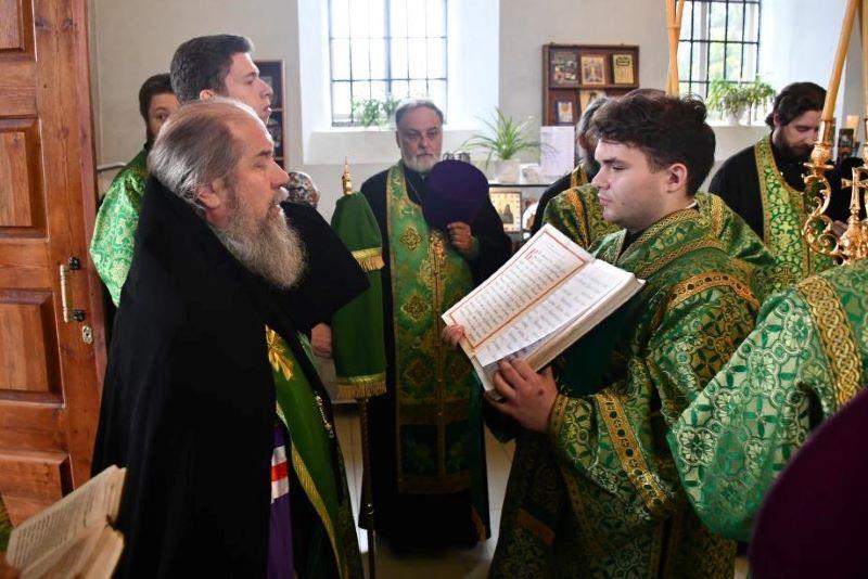 Всенощная в канун 155-летия со дня рождения Силуана Афонского в с. Шовское