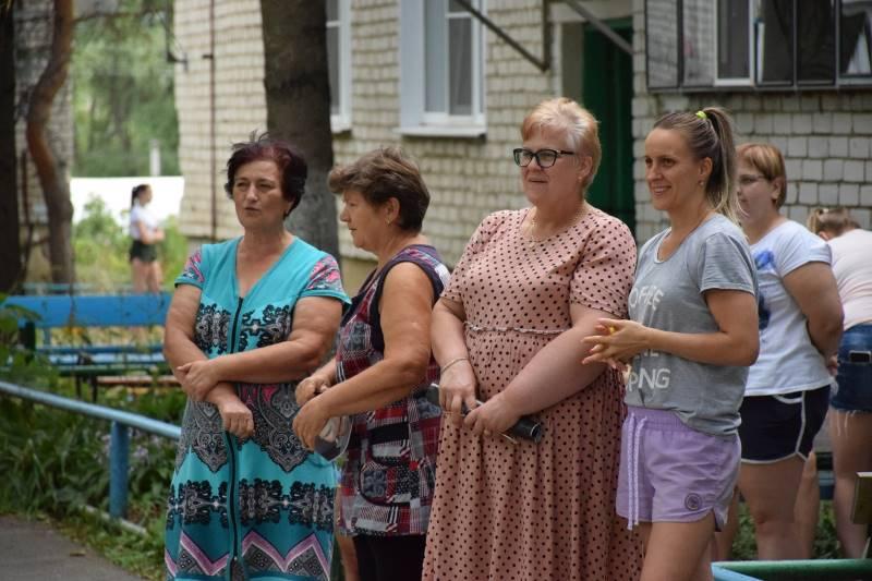 """Встреча """"Поём двором"""" на Дзержинке в Лебедяни"""