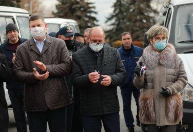 Лебедянской больнице передали автомобили ГАЗ Соболь